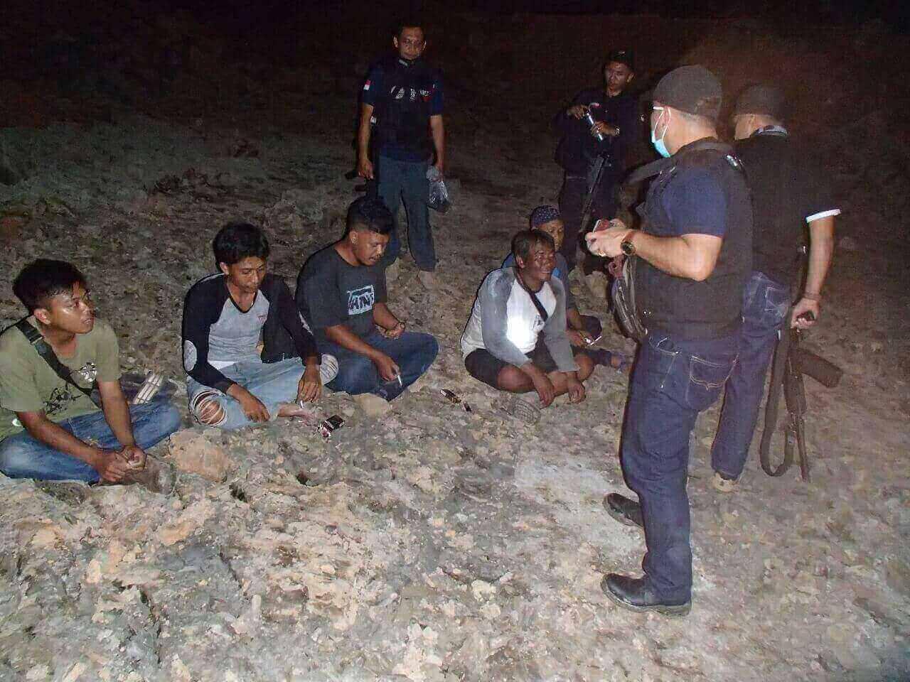 tambang batu bara ilegal di taman hutan raya bukit suharto