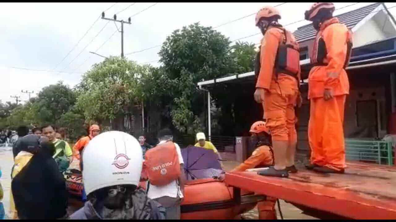 hujan deras melanda balikpapan mengakibatkan 7 RT terendam