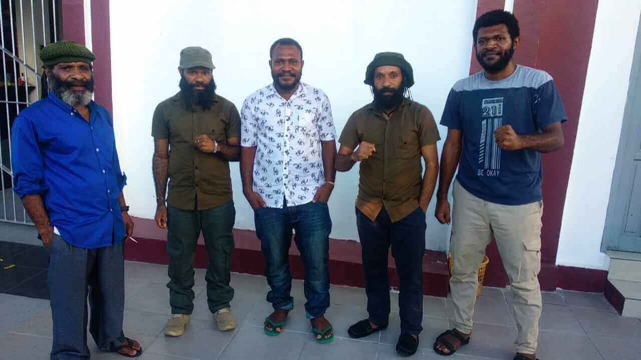 putusan sidang - Vonis Ringan, Pengacara 7 Tapol Papua Mengaku Puas - Headline Kaltim