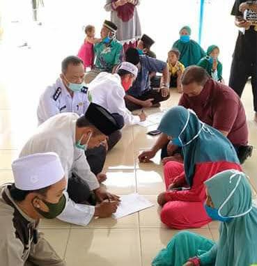 Ucap Kalimat Syahadat, 28 'Manusia Perahu' di Tanjung Batu Jadi Mualaf
