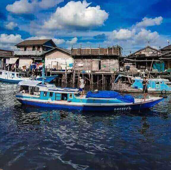 KM Borneo kapal ikan hilang perairan selat makassar