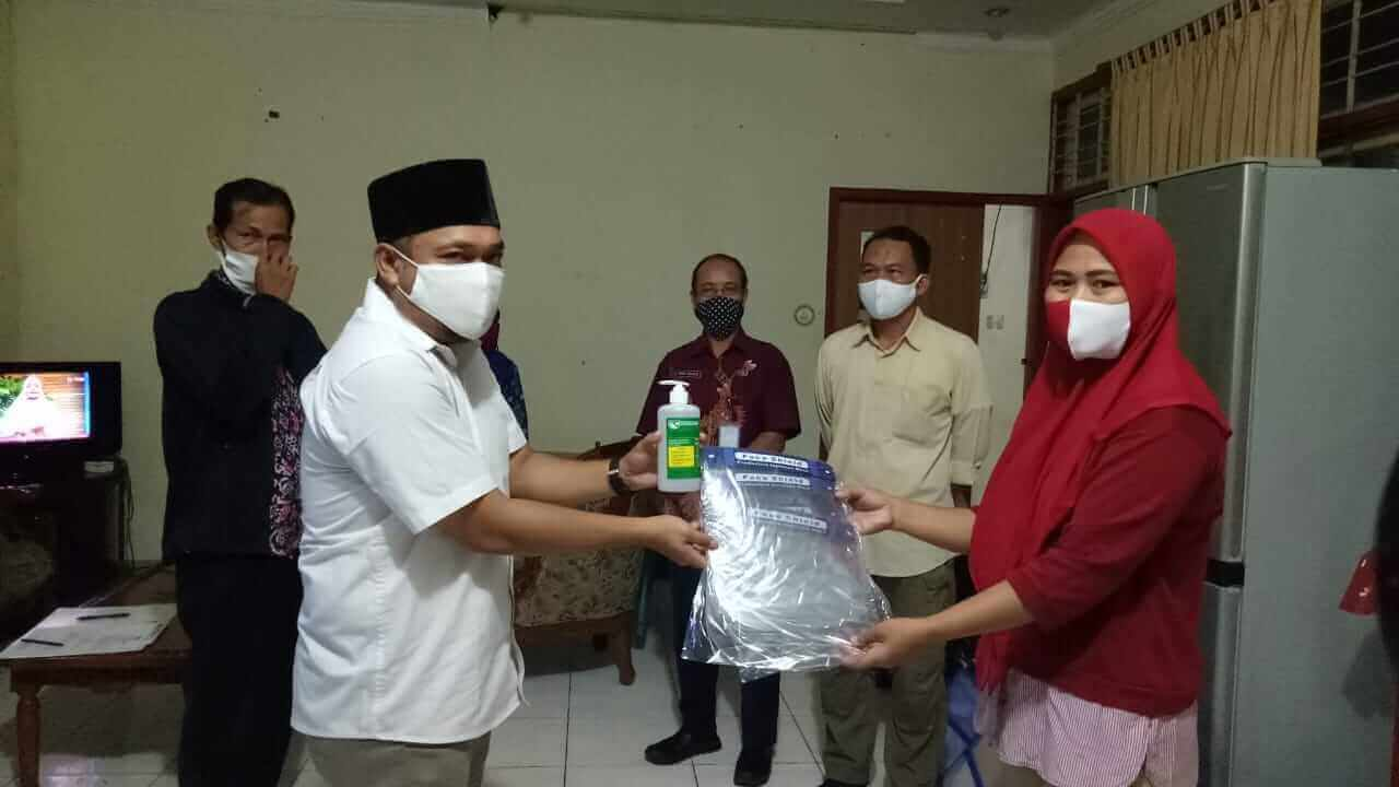 KPU Kota Balipapan, Kaltim, meminta agar Petugas Pemutakhiran Data Pemilih (PPDP) tak melepas alat pelindung diri ketika melakukan pendataan di rumah warga