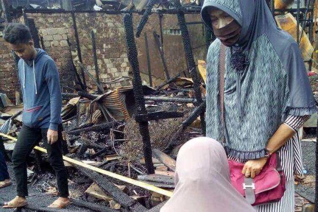 Asal Api Bukan dari Rumah Saya, MR Menangis Dituding Jadi Pemicu Kebakaran - headlinekaltim.co