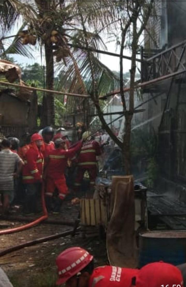 Kebakaran Lagi, Rumah dan Bangsalan Dua Pintu Ludes