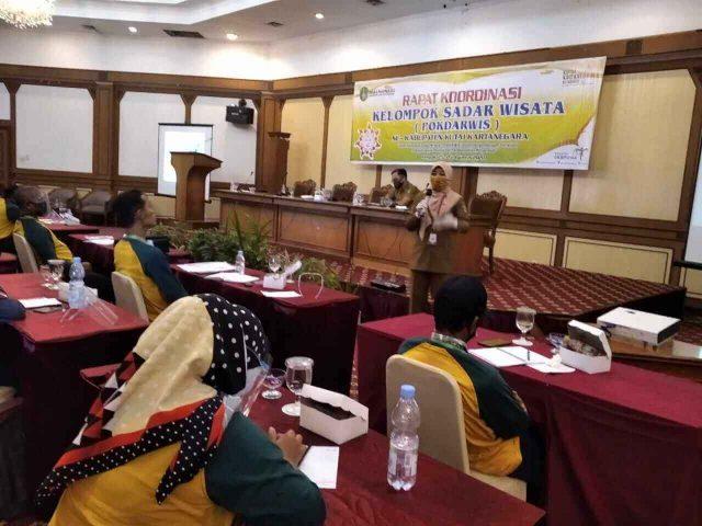 Mantan Kadispar Kutai Kartanegara Minta Pokdarwis Jangan Main Politik