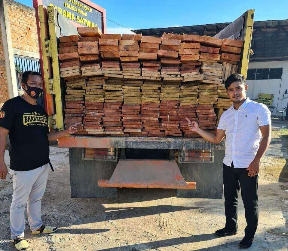 kayu meranti dicegat polres