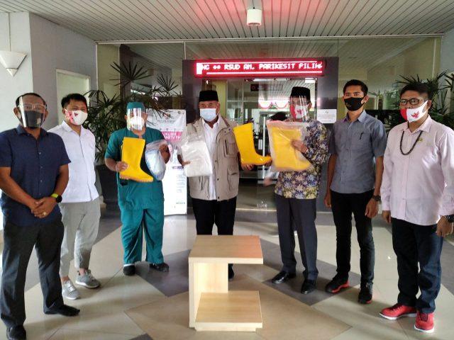 Anggota DPR RI Budisatrio Salurkan Bantuan APD ke Kukar