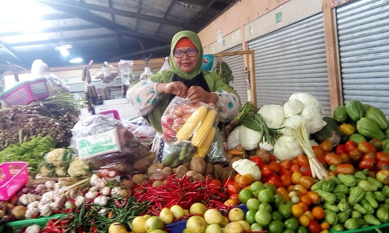 Stok Melimpah, Harga Sayuran Anjlok