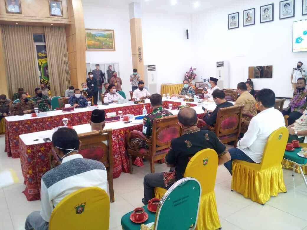 Di Rakor Kesbangpol, Jaang Minta Perbanyak Mikrofon untuk Cegah COVID-19 - headlinekaltim.co