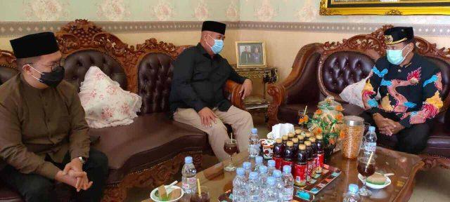 Edi-Rendi Sowan ke Sultan Kutai dan Ibundanya - headlinekaltim.co