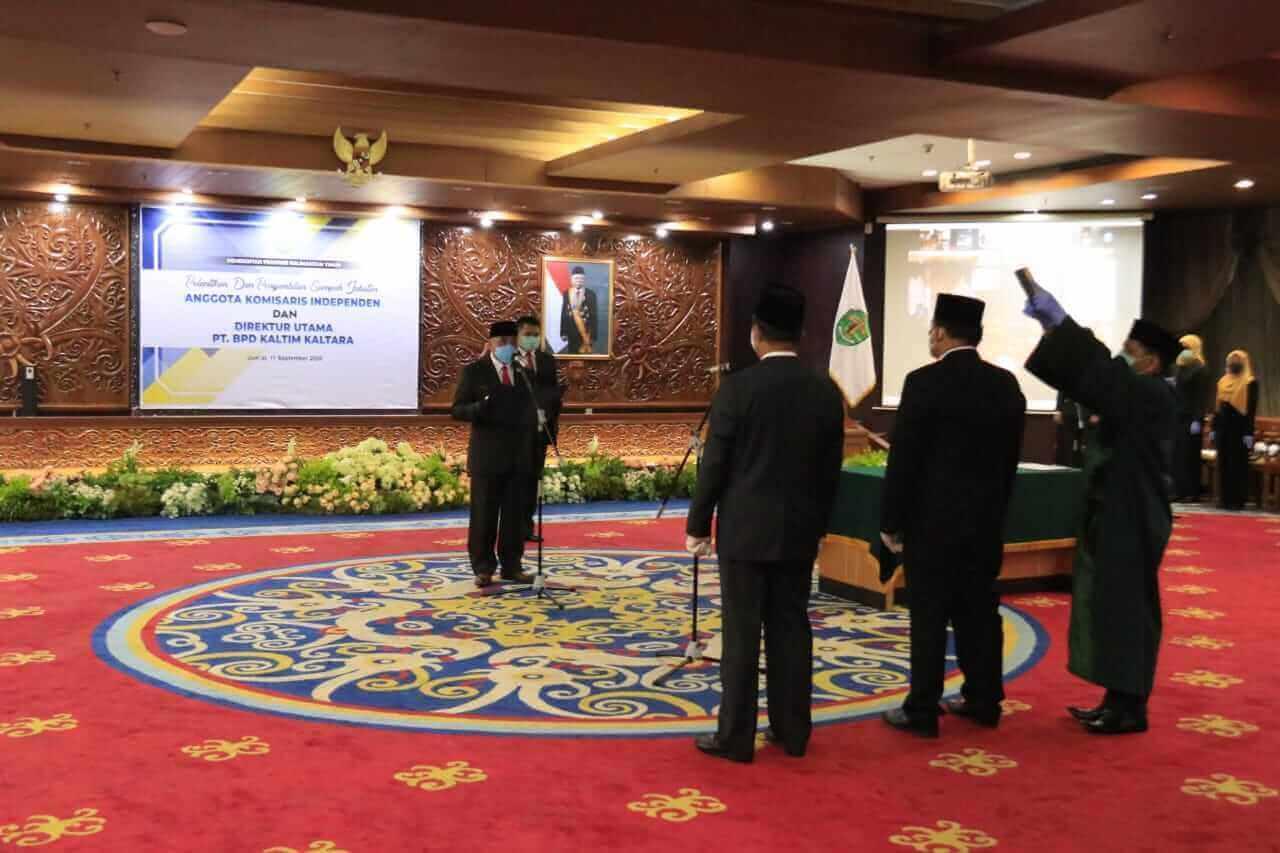 Gubernur Isran Lantik Dirut dan Komisaris Independen BPD Kaltim Kaltara - headlinekaltim.co