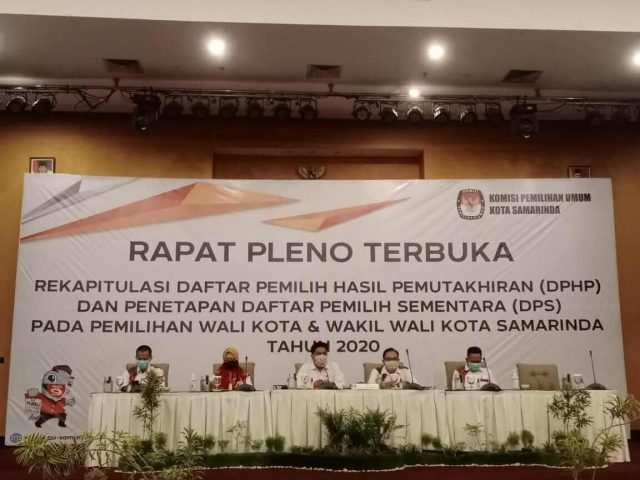 KPU Samarinda Gelar Rapat Pleno Rekapitulasi DPHP dan Penetapan DPS - headlinekaltim.co