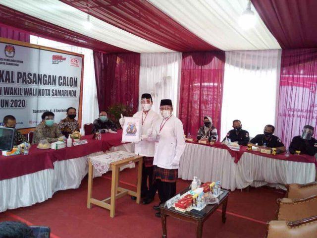 Zairin Zain - Sarwono Mendaftar ke KPU Samarinda, Markus Taruk Ikut Mengantar - headlinekaltim.co