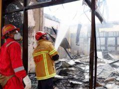 18 Tahanan Selamat, 3 Saksi Sedang Diperiksa Saat Bangunan Ditpolairud Terbakar - headlinekaltim.co