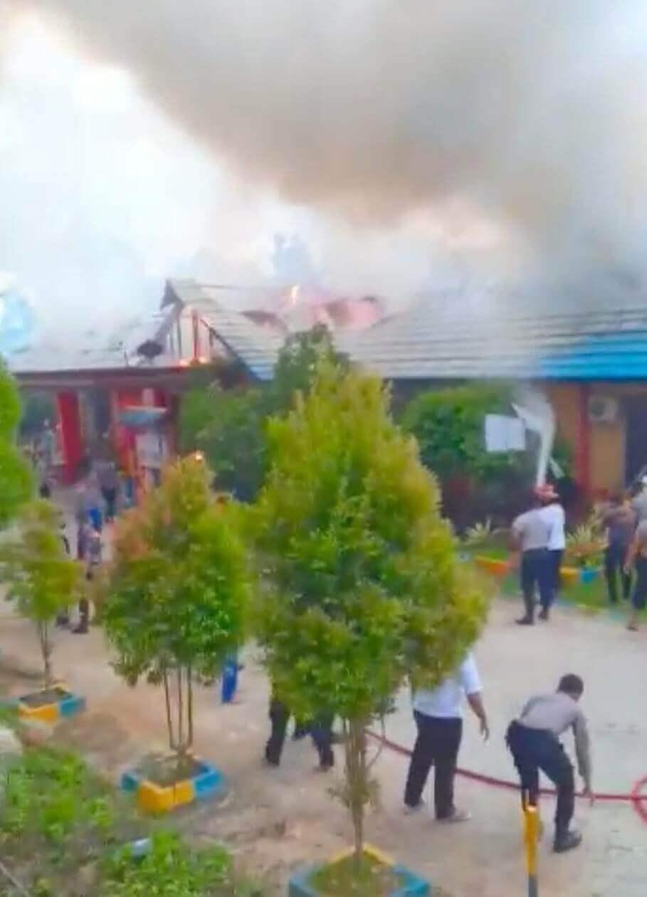 Gedung Gakkum Ditpolairud Polda Kaltim Terbakar