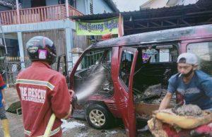 Mobil Pedagang Bakpao Keliling Ludes Terbakar - headlinekaltim.co