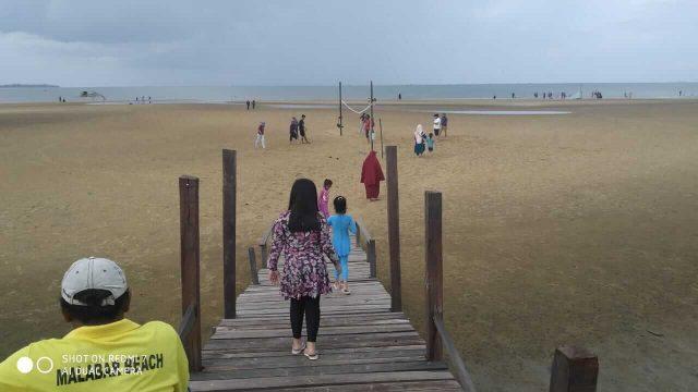 Pantai Malabar, Destinasi Wisata Baru di Muara Badak - headlinekaltim.co