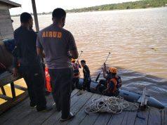Hendak Dicuci, Mobil Dobel Kabin Nyebur ke Mahakam, Karyawan Pencucian Hilang