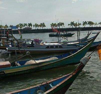 Dihantam Gelombang Tinggi, Tiga Nelayan Nyaris Hilang